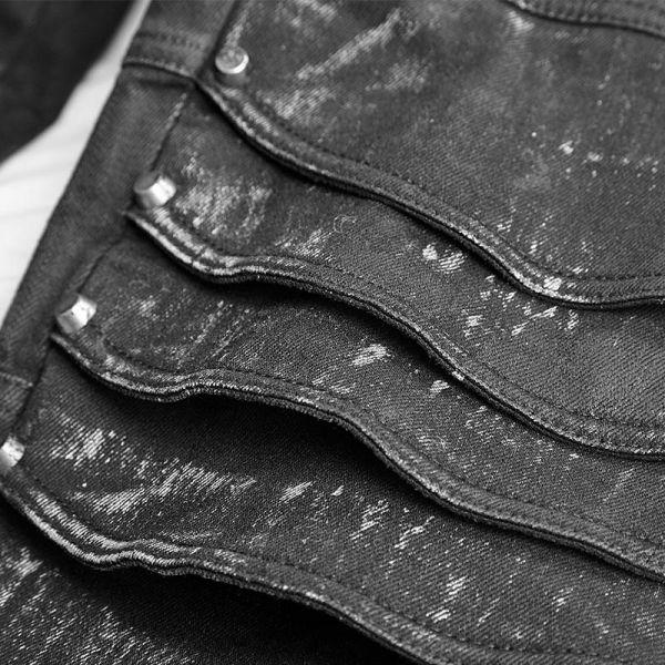 Hose mit akzentuierten Knien im Rüstungs-Look