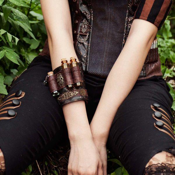 Steampunk Lederlook Armband im Alchemisten Design
