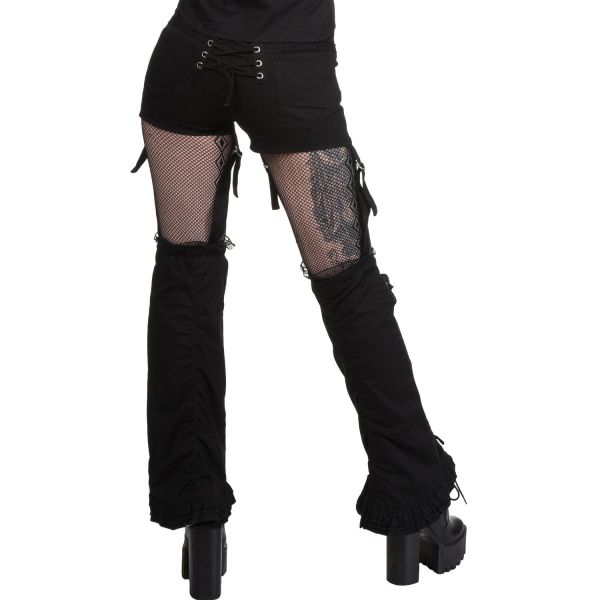 Hotpants mit Schnürungen und Beinstulpen