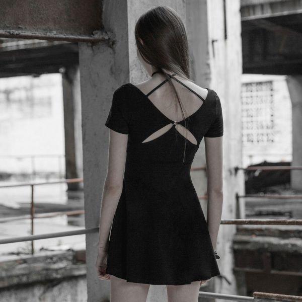 Shirt Glockenkleid mit Cut-Outs am Rücken