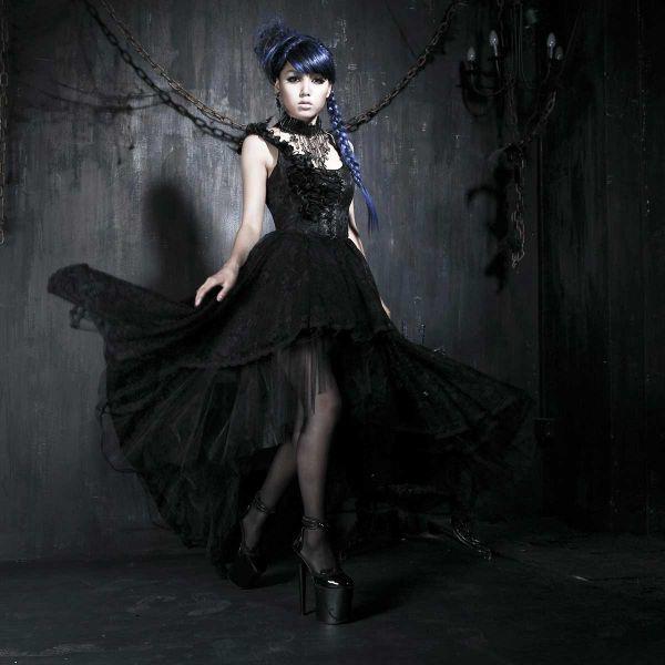 Gothic Lolita Kleid mit Rüschen und Rosenblüten