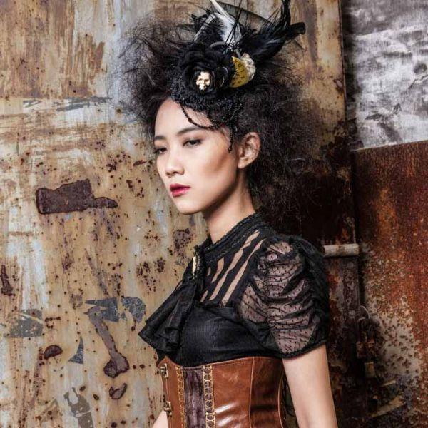 Steampunk Fascinator mit Skull, Rosenblüte